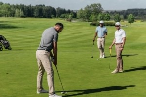 Where to Stand in Golf Etiquette