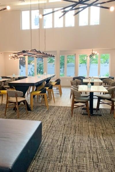 Aiden Hotel Breakfast & Bar Lounge